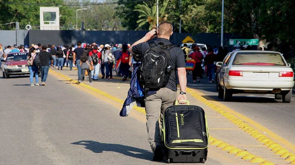 CNTE mantiene bloqueos en Oaxaca; van 5 días - Foto de Cuartoscuro