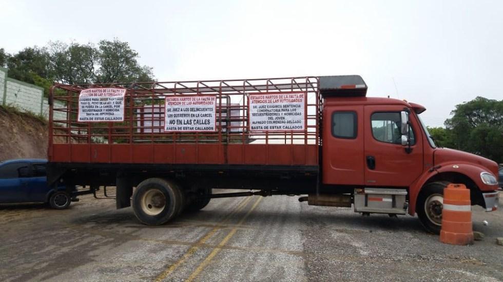 Pobladores bloquean carretera de Oaxaca por liberación de secuestrador - Foto de @Spiaboc