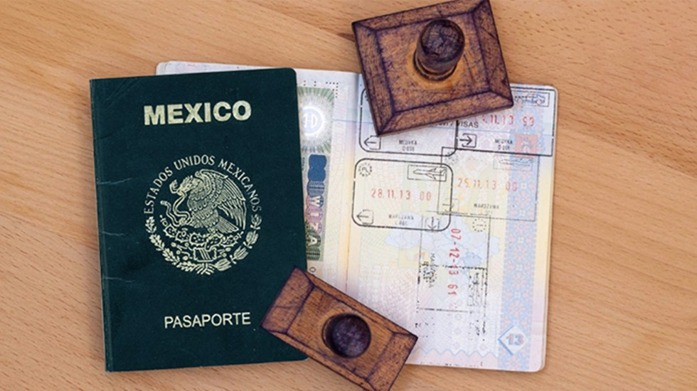 Advierten por fraudes al tramitar pasaportes - Foto de  Food and Travel