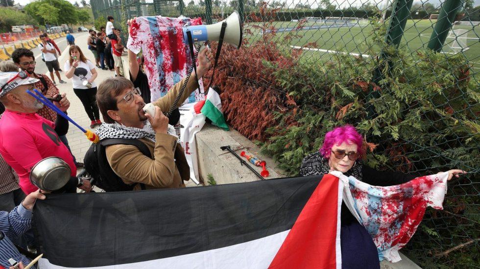 Palestinos protestan en entrenamiento de Argentina - Foto de Sportv