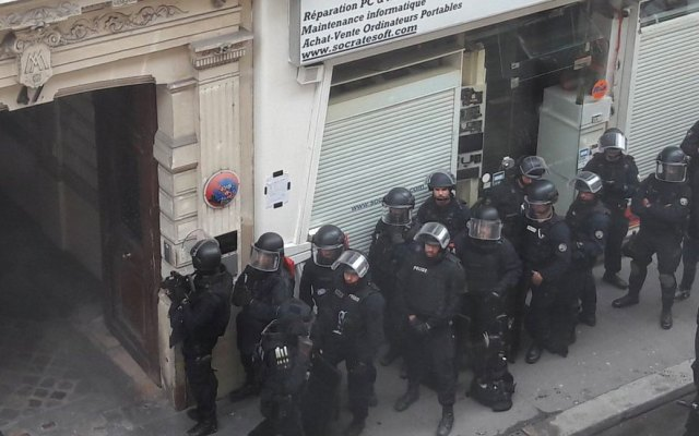 Hombre toma rehenes en París - Foto de internet
