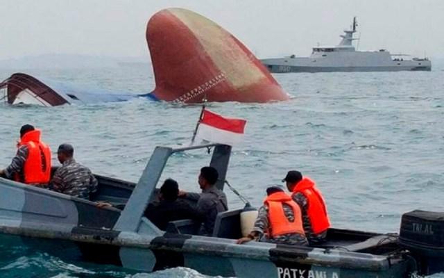 Continúan desaparecidas 180 personas por naufragio de ferry en India - Foto de @apnnewsindia
