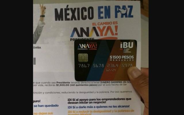 INE avala distribución de tarjetas de Ricardo Anaya - Foto de Twitter Megáfono