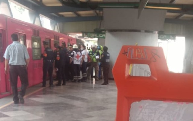 #Video Convoy arrolla a hombre en Metro Apatlaco - Foto de @TrejoJr2