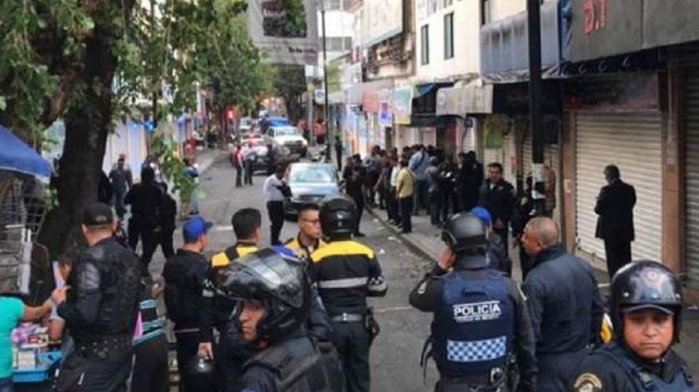 #Video Policía abate a presunto delincuente en asalto a Uber - Foto de Excélsior