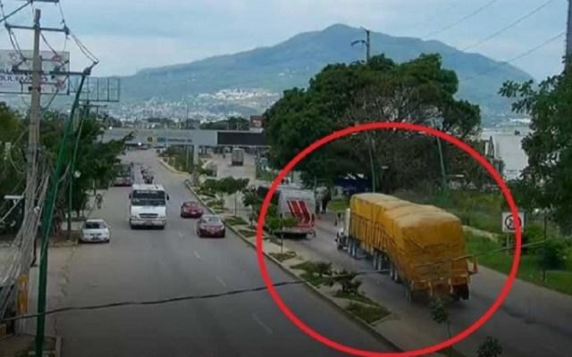 #Video Pierde el control de tráiler y mata a siete en Chiapas - Foto de Excélsior