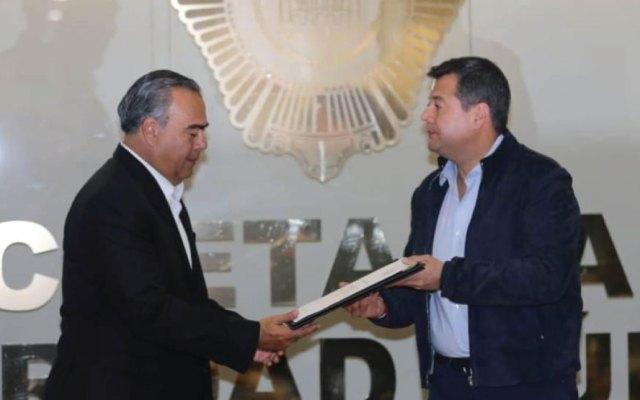 Amieva presenta a Raymundo Collins como nuevo titular de la SSP