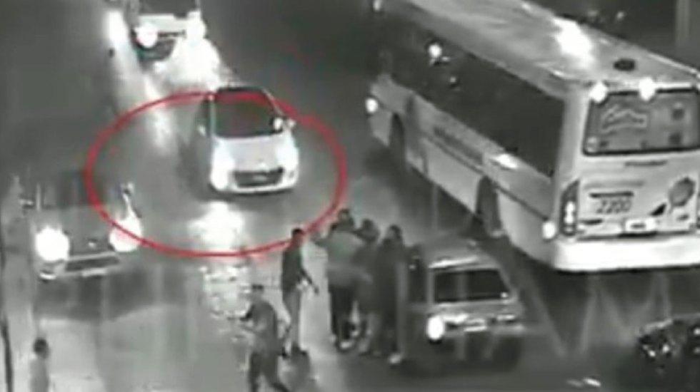 Delantero apuñala a ex portero de River Plate a las afueras de un bar