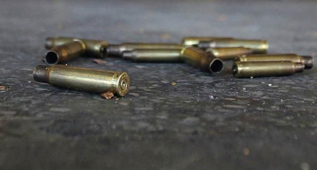 Asesinan en Guanajuato a tres agentes de la Fiscalía General de la República - elemento de seguridad mata a hombre en 7 eleven