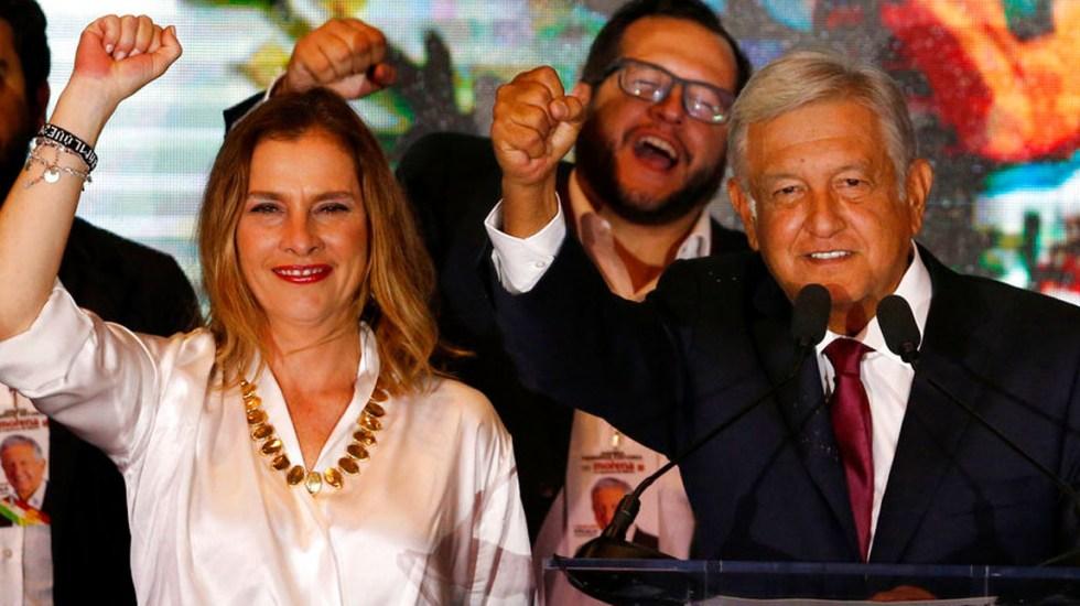 #Video La canción de Beatriz Gutiérrez a quienes murieron antes del triunfo de AMLO