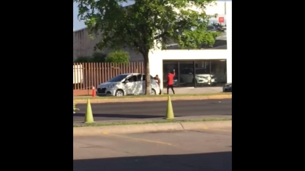 #Video Secuestran a persona frente a Fiscalía de Sinaloa - Captura de Pantalla