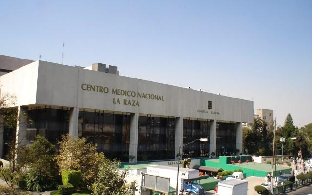 Denuncian asalto a enfermero del Hospital La Raza - Foto de Wikipedia