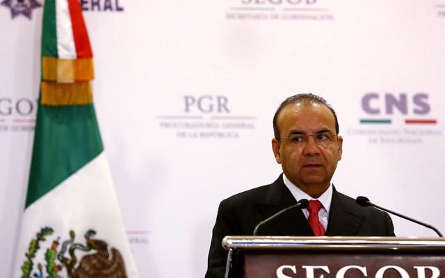 Navarrete Prida viaja a Washington para tratar temas migratorios