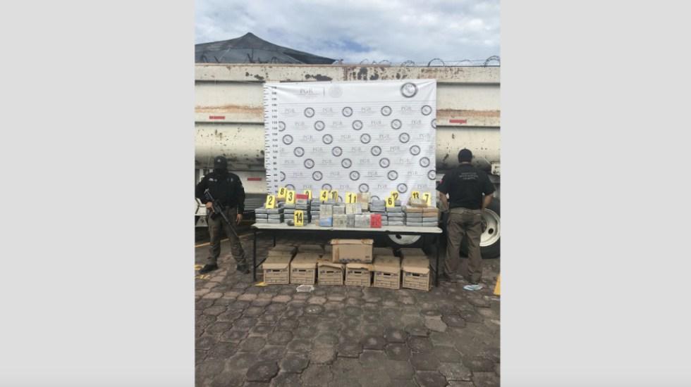 Detienen a dos sujetos con 6.9 mdd en Veracruz - Foto de @PGR_mx