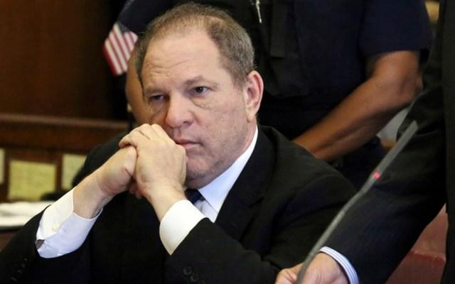 Abogados de Weinstein piden a corte desechar acusación de violación - Foto de AP