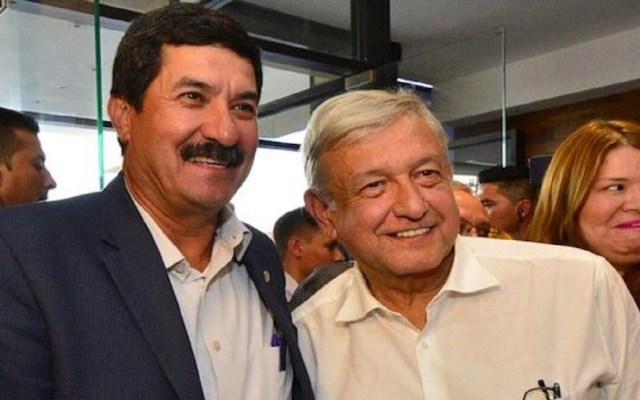 """AMLO visita junto a Javier Corral """"elefante blanco"""" en Ciudad Juárez - Foto de Twitter"""