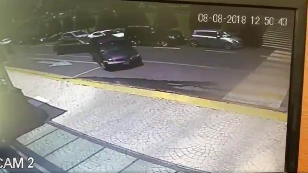 #Video Criminales chocan contra conductor para asaltarlo - Captura de pantalla