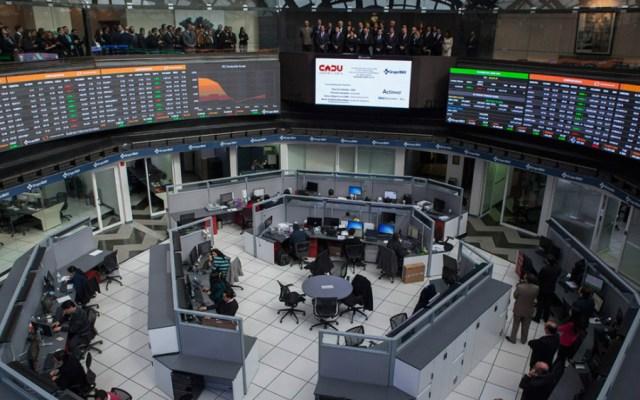 Bolsa Mexicana regresa a terreno negativo; baja 0.55 por ciento - Foto de Noticieros Televisa