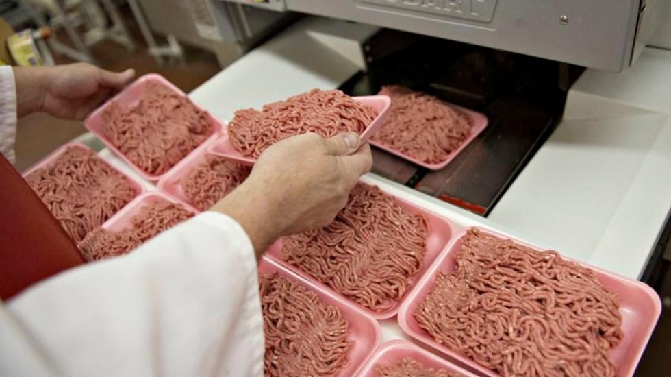 Llaman a retirar más de 11 mil kilos de carne posiblemente contaminada - Foto de Getty