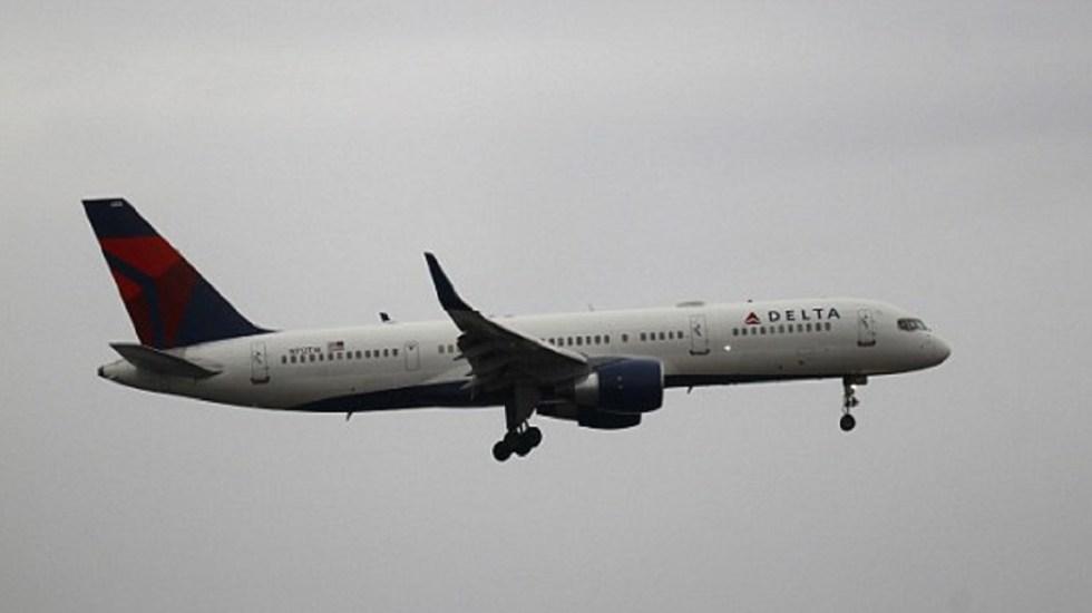 Regresan vuelo a mitad de camino por baño roto - Foto de Getty Images