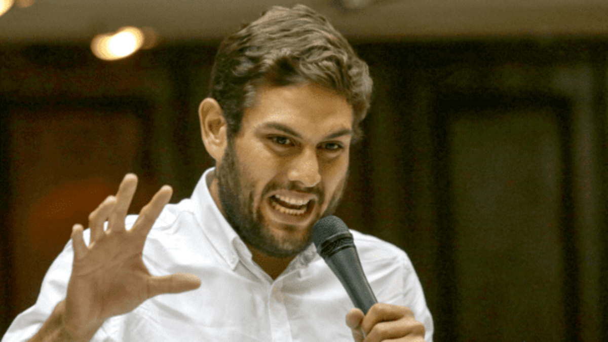 Parlamento cuestiona a Maduro por destruir