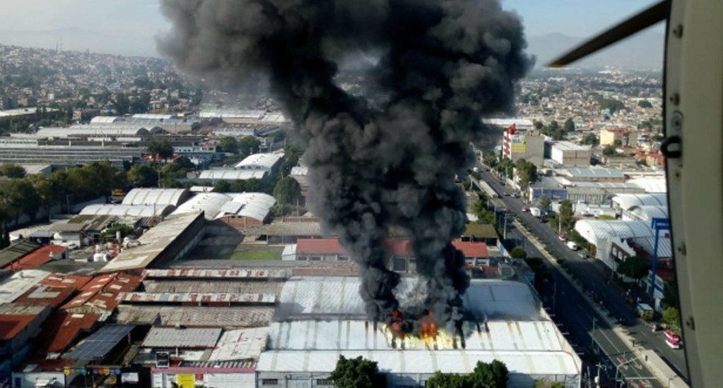 #Video Incendio en fábrica de zapatos de Tláhuac