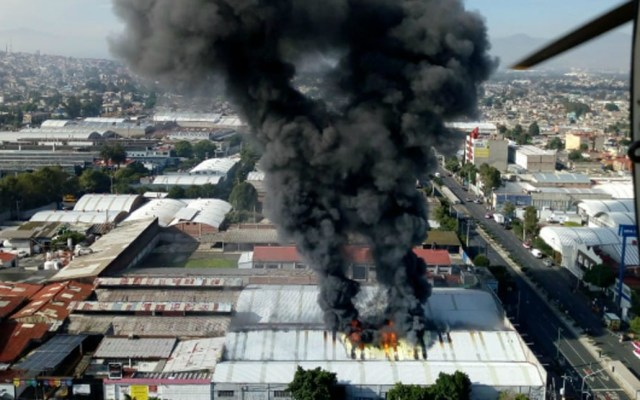 #Video Incendio en fábrica de zapatos de Tláhuac
