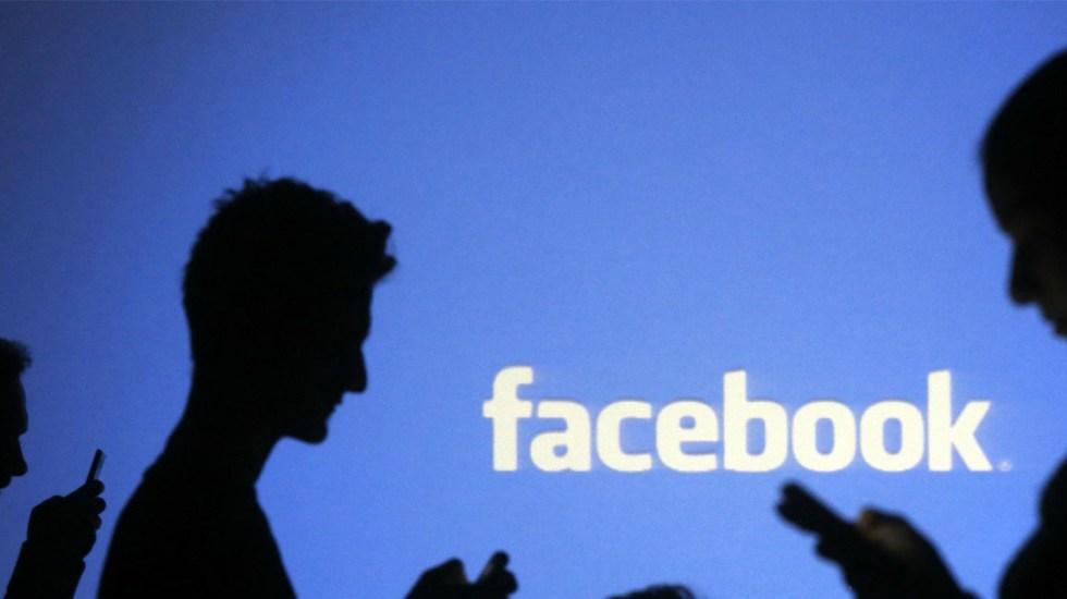 Facebook utiliza los teléfonos de sus usuarios para enviar anuncios - Foto de Archivo