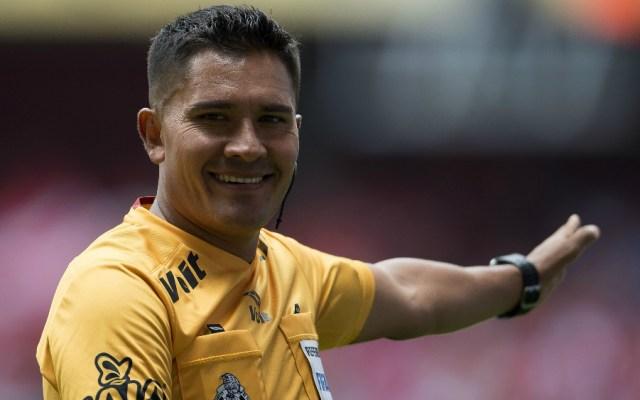 Fernando Guerrero pitará el duelo entre América y Pumas - Fernando Guerrero. Foto de Mexsport