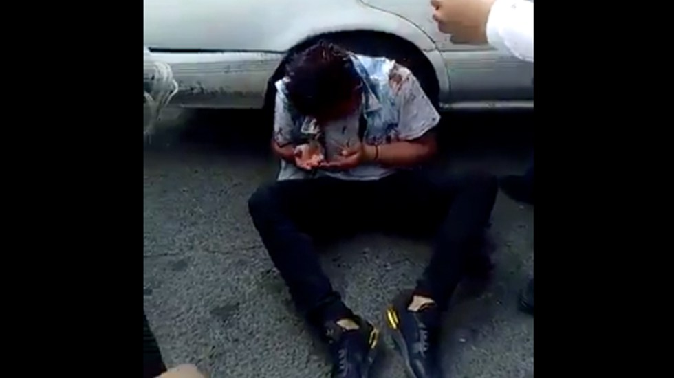 #Video Golpean a presunto asaltante de transporte público en Iztapalapa