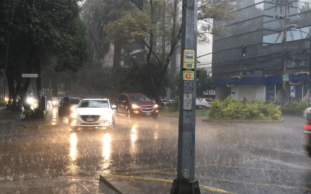 Activan Alerta Amarilla por lluvia y granizo en 10 alcaldías - Foto de Protección Civil