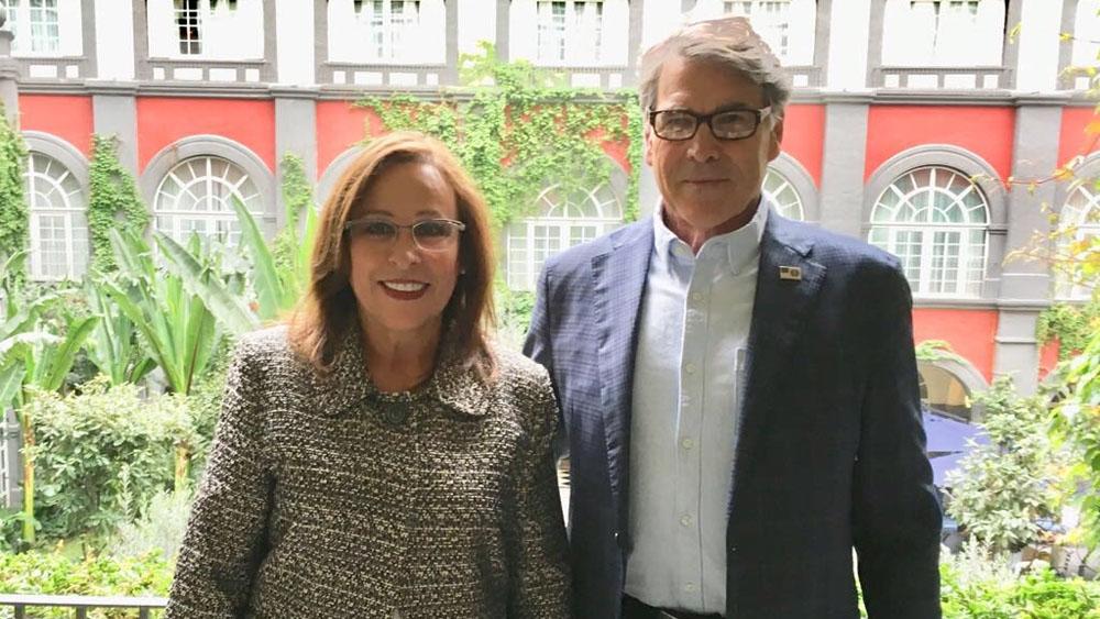 Rocío Nahle se reúne con Rick Perry - Foto de @rocionahle