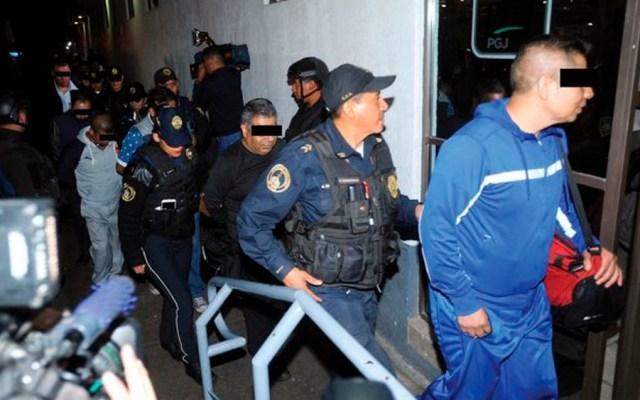 #Video Policías siembran drogas en bar de la colonia Roma - Foto de Cuartoscuro