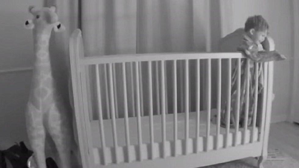 #Video Papá salva a su hijo de caída mortal desde la cuna - Foto Captura de Pantalla