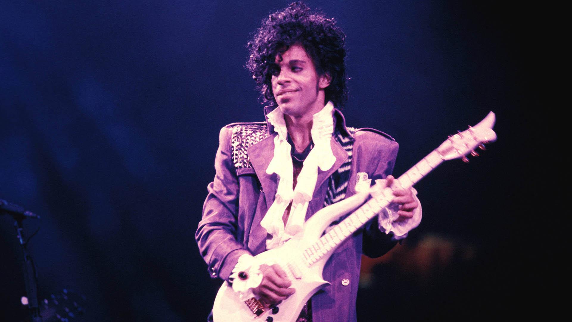 Universal prepara una película basada en canciones de Prince