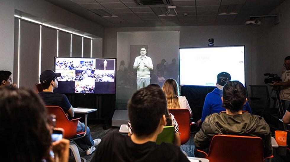 Profesor se convierte en holograma para dar clases en cinco campus - Foto de Las Noticias del Tec