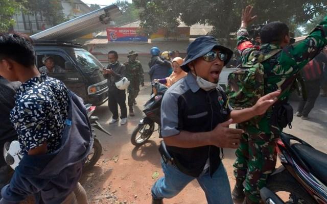Réplica de magnitud 5.9 sacude Indonesia - Foto de ADEK BERRY / AFP