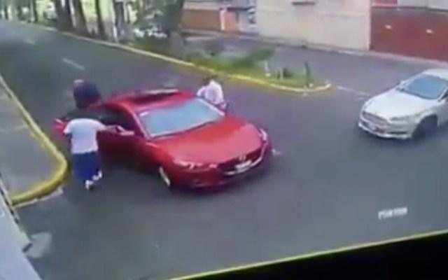#Video Roban auto a familia en calles del Edomex - Foto de @ApoyoVial