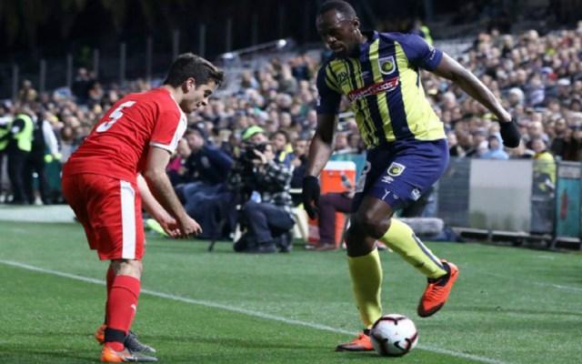 Usain Bolt debuta en el futbol australiano - Foto de Internet