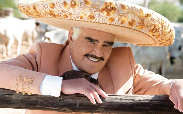 Vicente Fernández continúa haciendo discos para que sus fans no lo olviden - Foto de Twitter Vicente Fernández