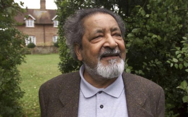 Muere el escritor británico y Premio Nobel de Literatura, V.S. Naipaul - Foto de AP