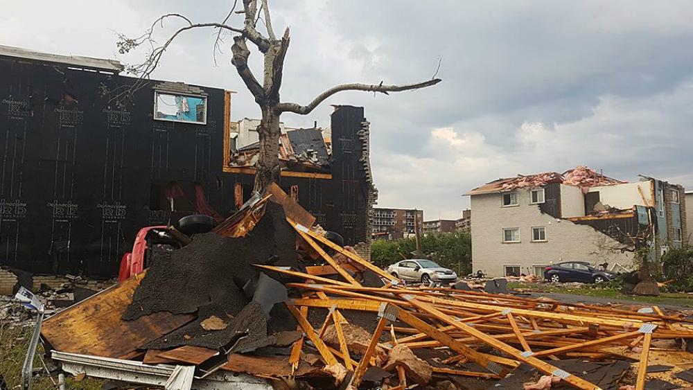 #Videos Tornado arrasa con todo a su paso en Canadá. Noticias en tiempo real
