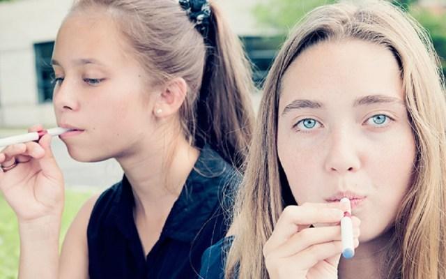 """Advierte FDA por """"epidemia"""" de uso de cigarros electrónicos en jóvenes - Foto de Internet"""