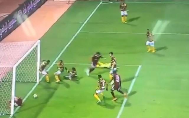 #Video Cadena de errores en el futbol árabe - Foto de Internet