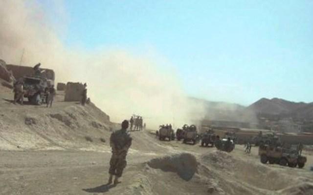 Suman 35 muertos tras ataques de talibanes a fuerzas afganas