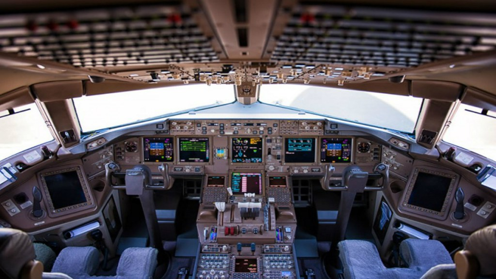 Ordenan a aerolíneas que en cabina de pilotos solo esté personal autorizado - Foto de Internet