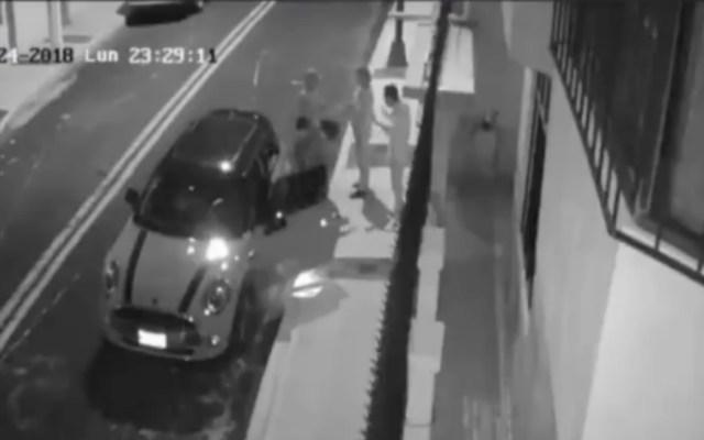 #Video Delincuentes despojan de vehículo a pareja en GAM - Captura de pantalla