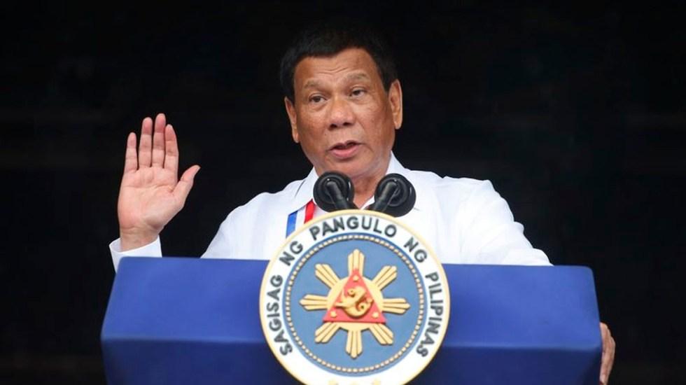 Duterte pide a la iglesia que los sacerdotes puedan tener novio - Foto de AP