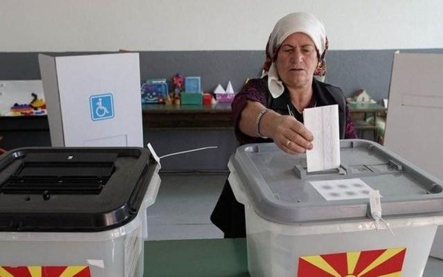 """Fracasa cambio de nombre a Macedonia pese a triunfo del """"sí"""" en votación - Referéndum en Macedonia para cambio de nombre. Foto de EPA"""
