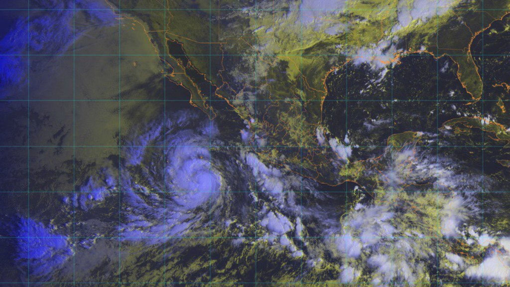 Rosa se intensifica a huracán categoría 1 - Foto de @conagua_clima